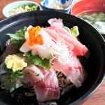 与望亭海鮮丼