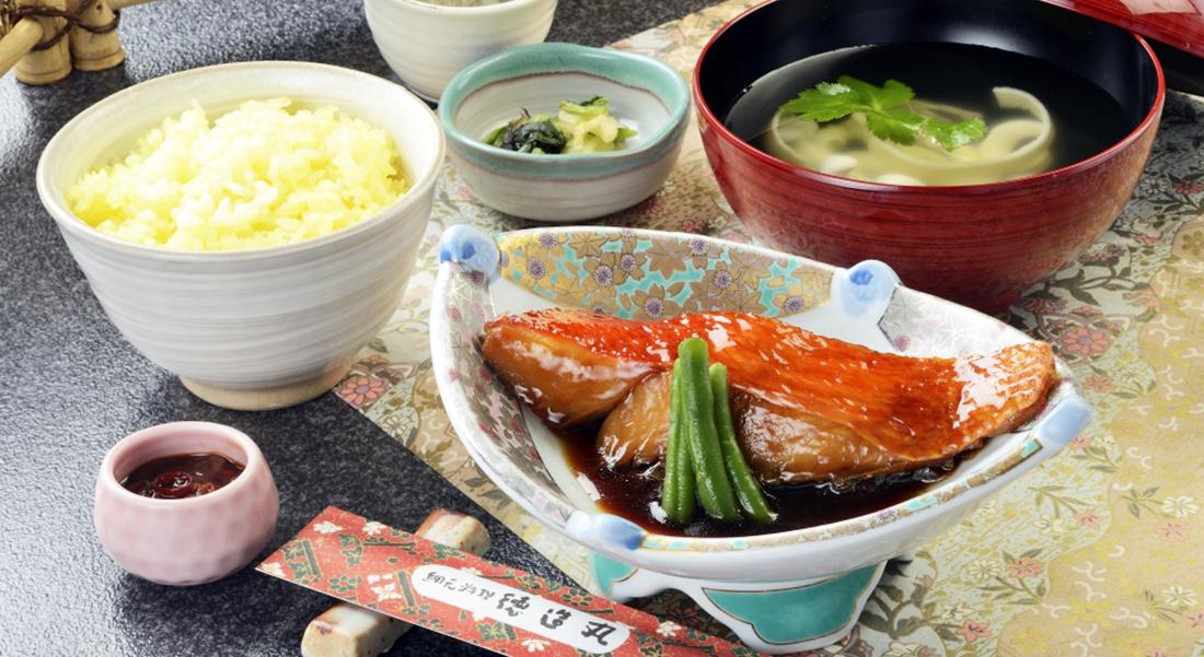 徳造丸 煮魚定食