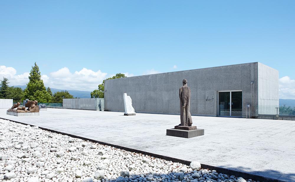クレマチスの丘・ヴァンジ彫刻庭園美術館