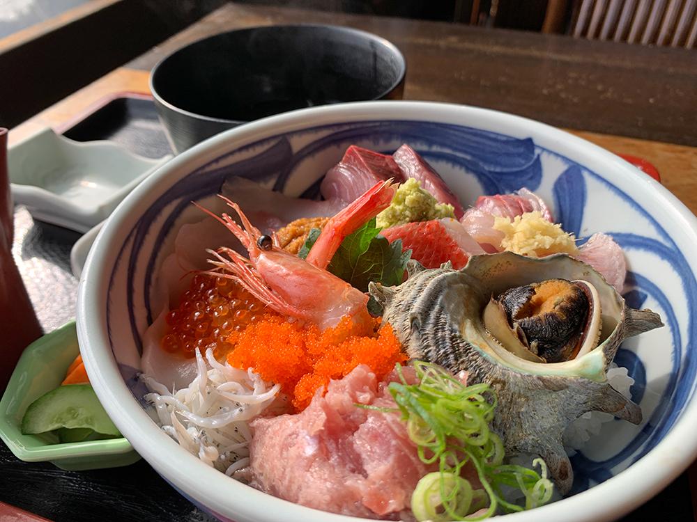 ゑび満 伊豆下田・白浜 海鮮丼 漁心丼