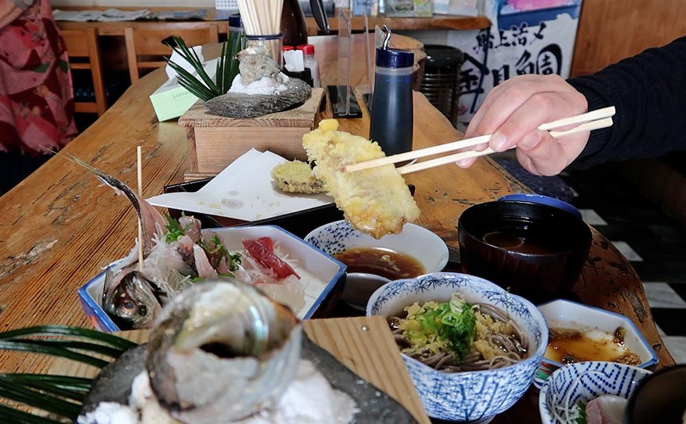 磯一 下田 海鮮料理 おまかせ定食のアジの天ぷら